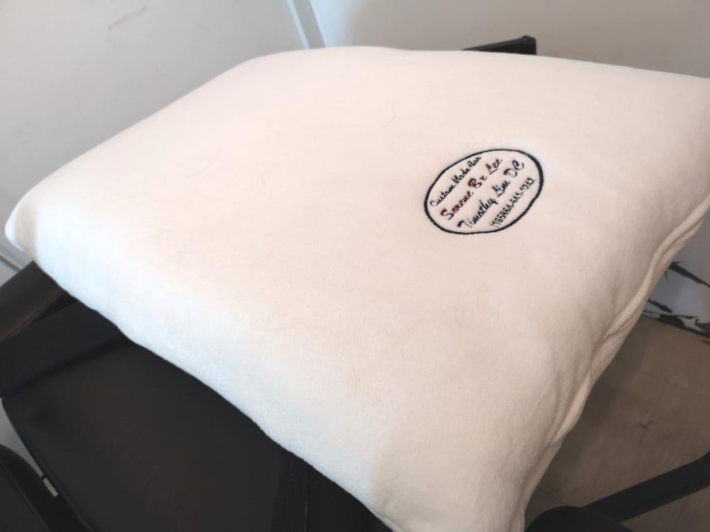 Custom neck pillow - Side View